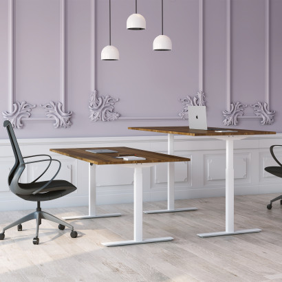 Höj och sänkbart skrivbord, vitt stativ och valnöt skiva - Standard