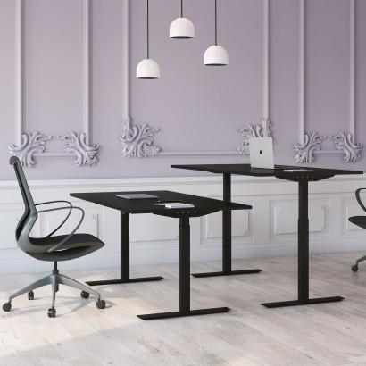 Höj och sänkbart skrivbord, svart stativ och svart skiva - Standard