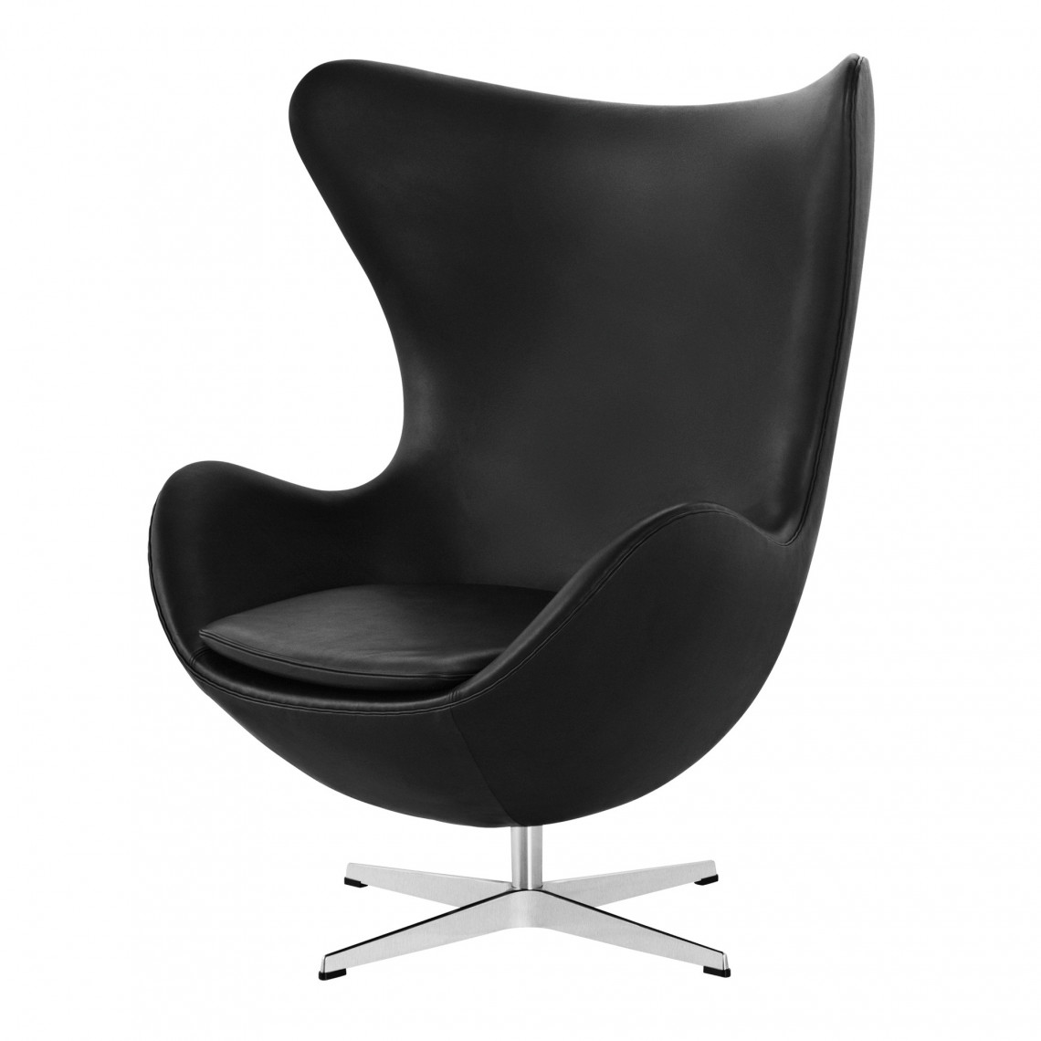 """Lounge Chair """"EGG™"""" in leather by Arne Jacobsen"""